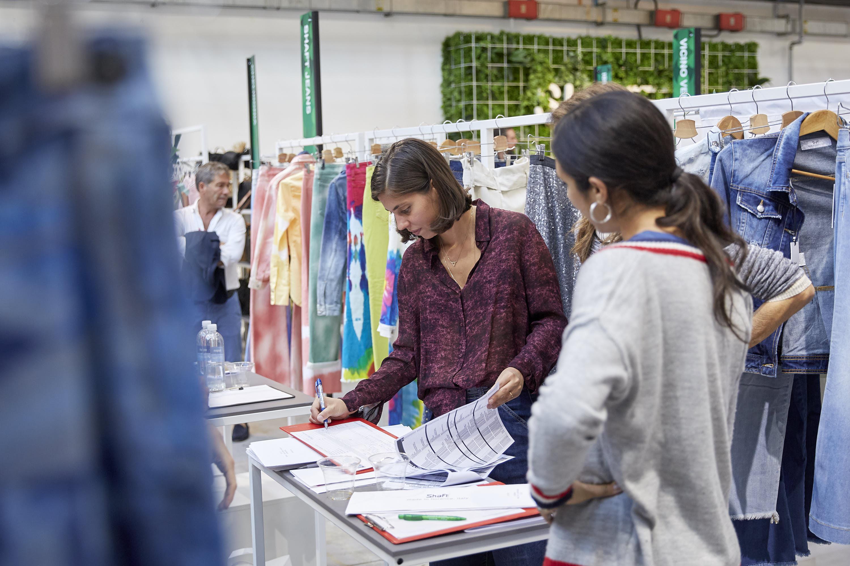 Especialidad en Comercialización y distribución de moda y lujo: enfocado en buying and merchandising
